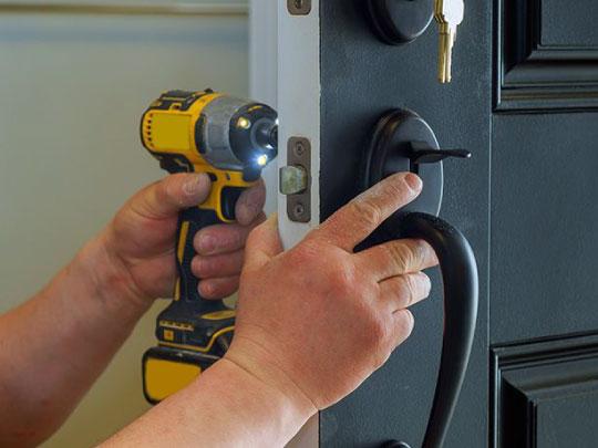 Efficient services of door locks Golden CO
