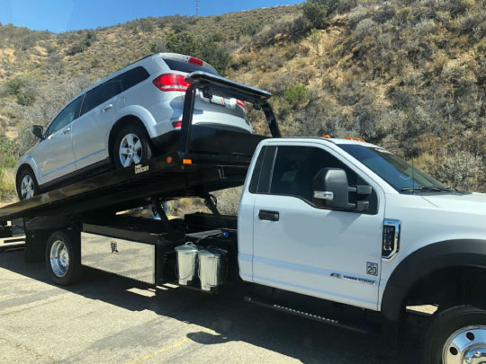 Flatbed Towing Cost in Berkeley MO