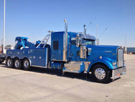 Looking for Tow Truck for 18 Wheeler in Gresham?