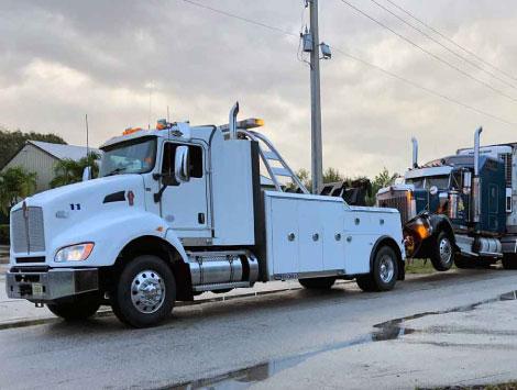 Tractor-Trailer Towing in Smyrna GA