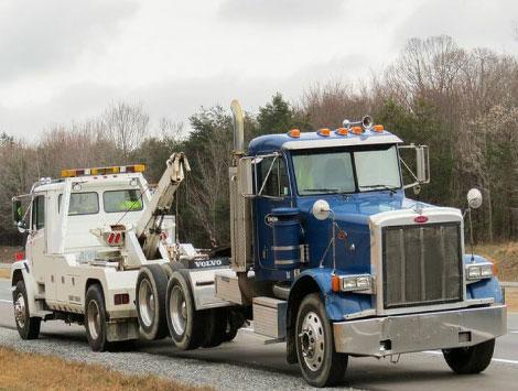 Heavy Duty Towing Procedure in Huntersville, NC