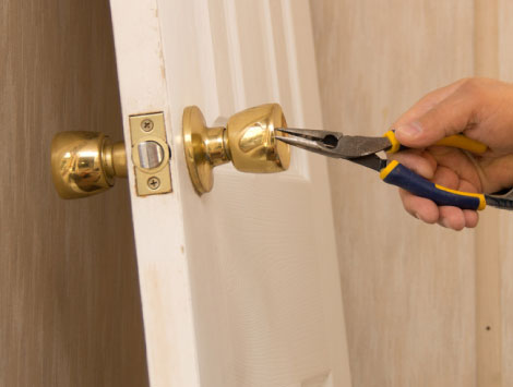 Residential Locksmith Services in Woodland Hills